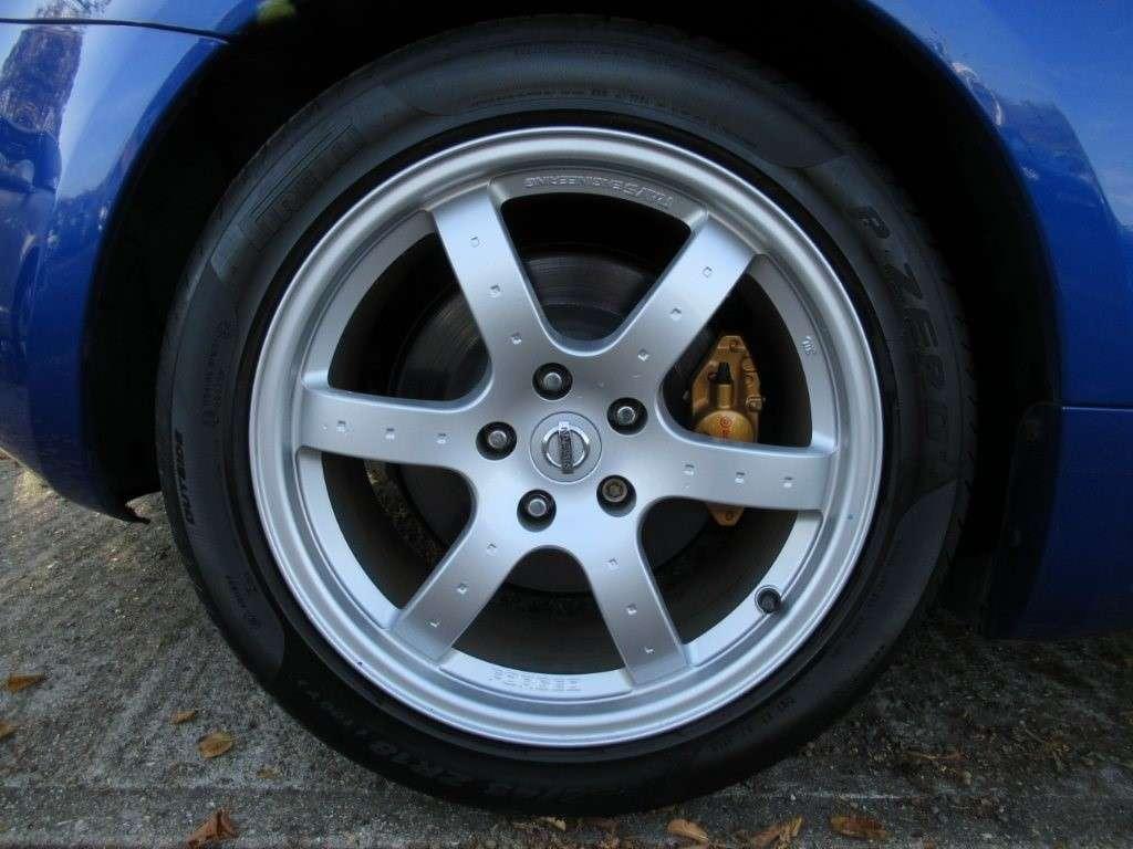 nissan-350z-coupe-petrol-4db2f9e84301.jpg