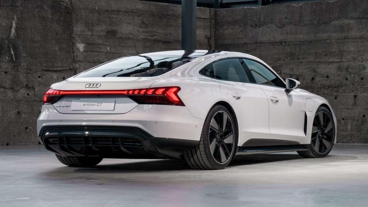 Audi e-tron GT 2021 -10.jpg
